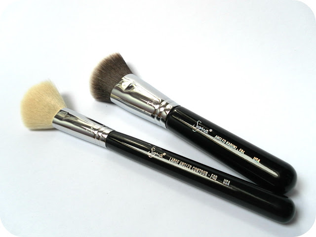 A picture of Sigma Large Angled Contour F40 Brush and Sigma Angled Kabuki F84 Brush