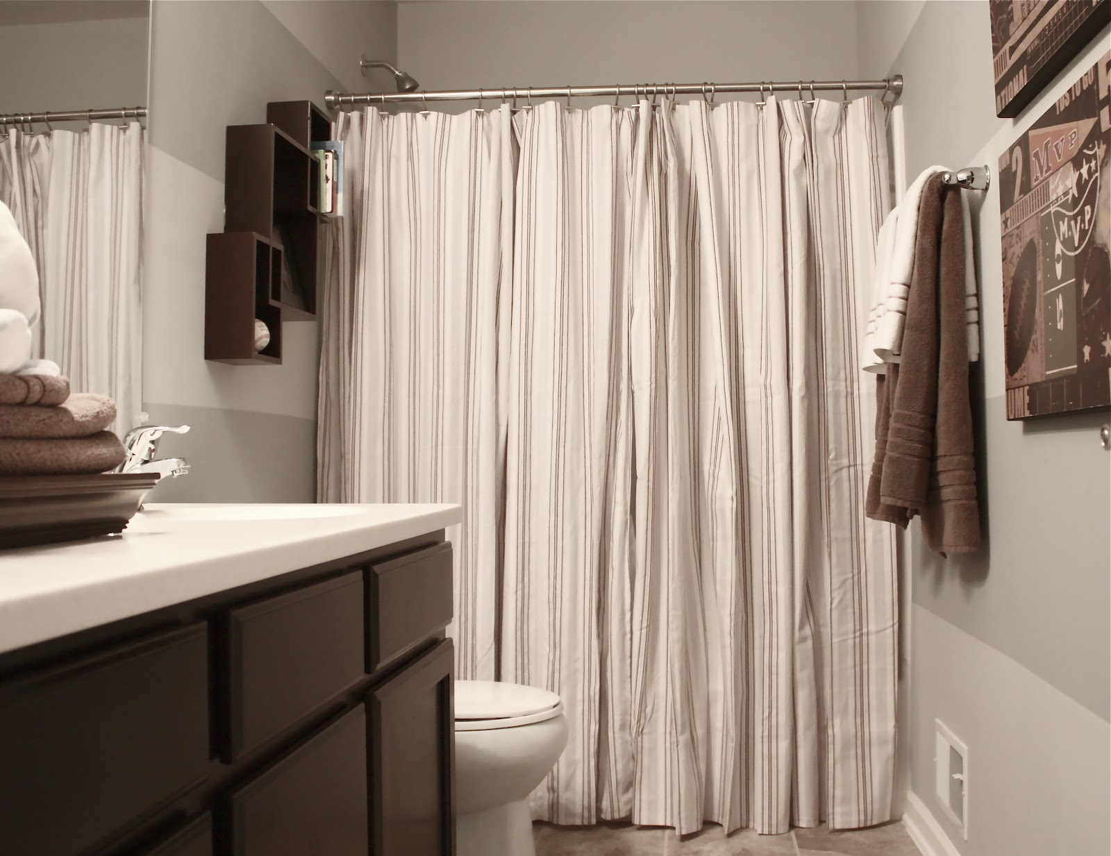 The Yellow Cape Cod: Boy's Bathroom Reveal~Using Two Shower Curtains