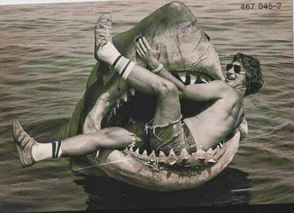 64 Historical Pictures you most likely haven't seen before. # 8 is a bit disturbing! - Steven Spielberg, Jaws, behind the scene.