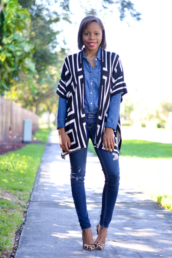 How To Wear A Poncho| Denim on Denim | Fall Outfit Ideas