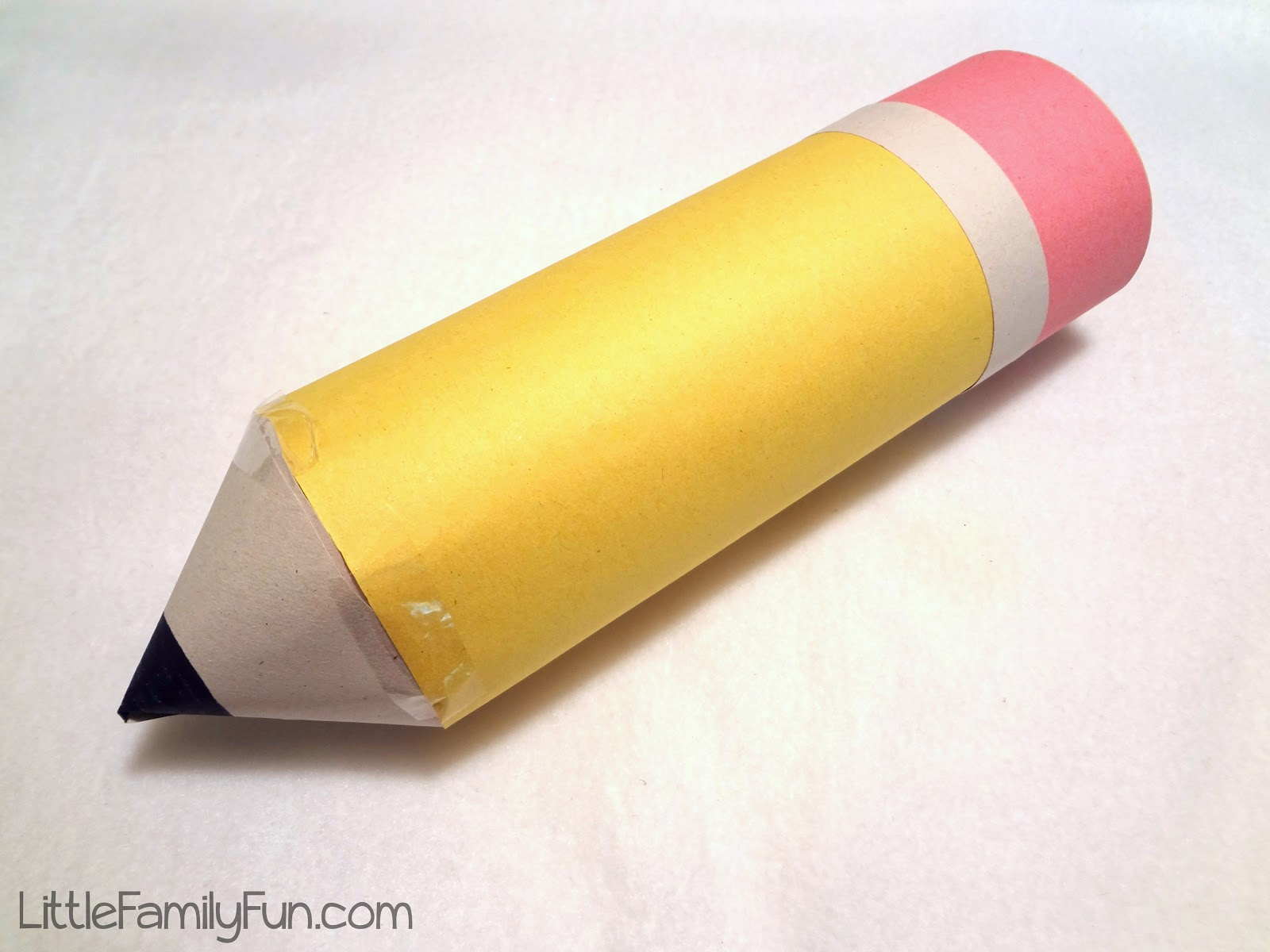 how to make a pencil stand out of paper