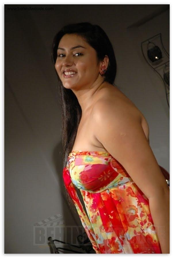 http://1.bp.blogspot.com/-g3OuSw6Bj1Y/Ta2bb5AaupI/AAAAAAAAHhg/miIRY9Jdyi4/s1600/namitha-1404.jpg