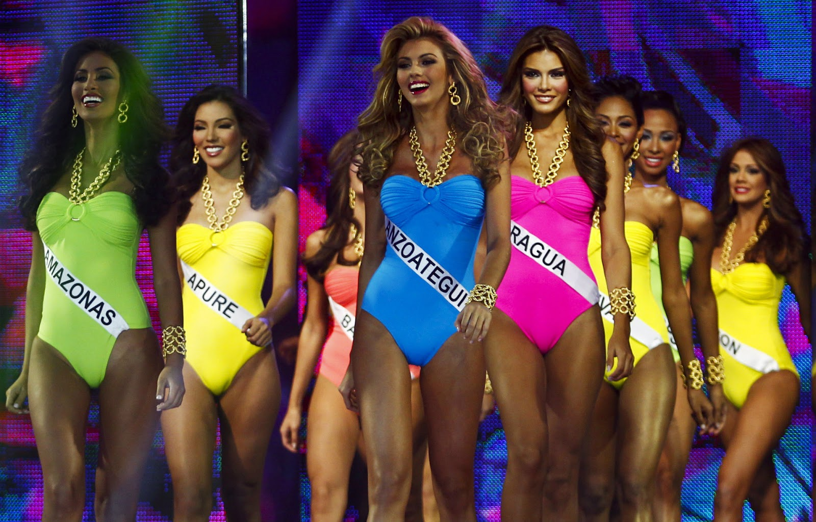 Miss Universe2012 http://listofcelebrities.blogspot.com/2013/01/miss-universe-2012-swimsuit-competition.html