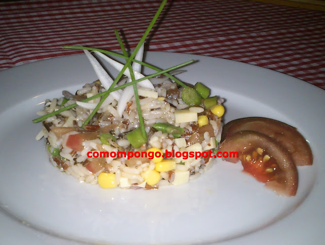Ensalada de arroz con queso emental