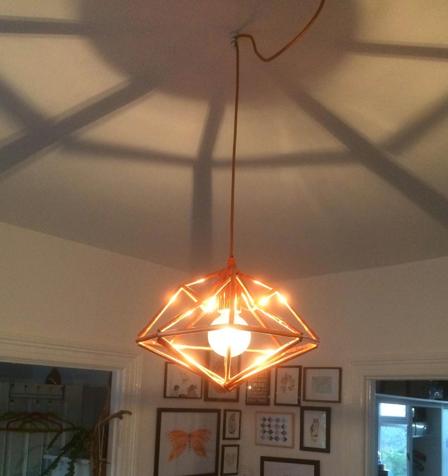 DIY diamant kobberlampe af sugerør
