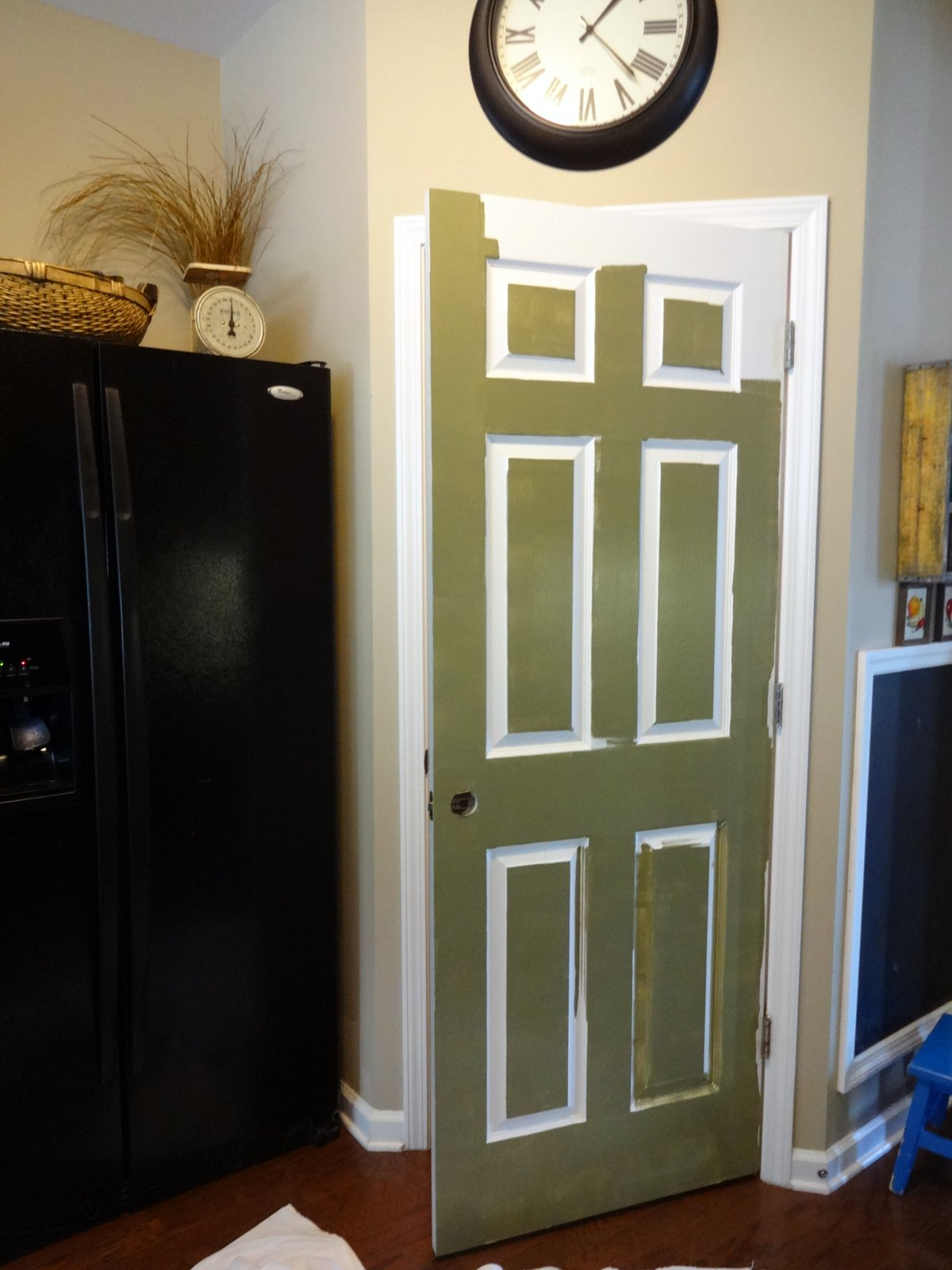 Painting interior doors when one door closes paint covers for Painted interior door designs