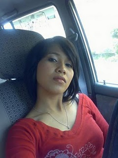 Skodeng Gadis Melayu montok Raba dalam Kereta melayu bogel.com