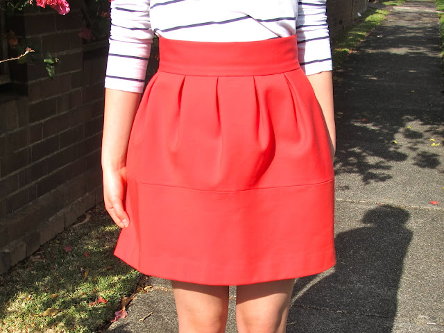{Statement Skirts} Red tulip skirt from Zara on petiteplayground.blogspot.com