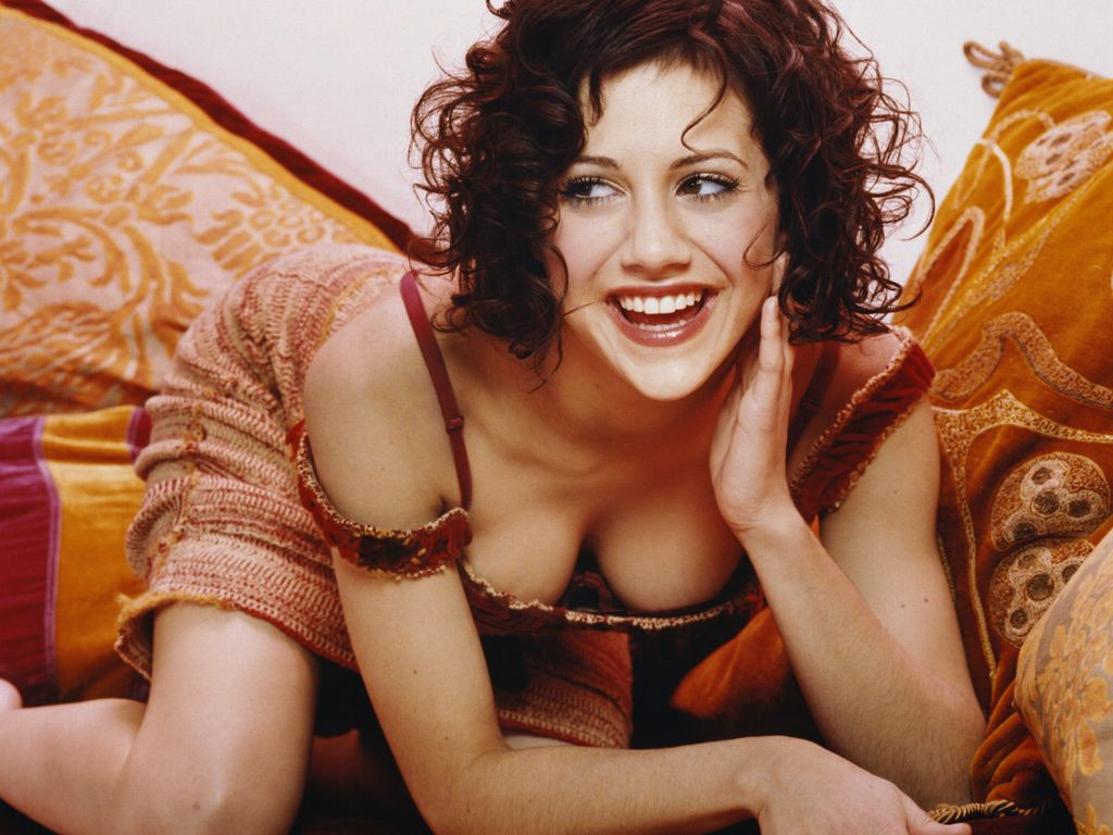 Brittany Murphy Beautiful Hollywood Actress 2012 Pics Pictures