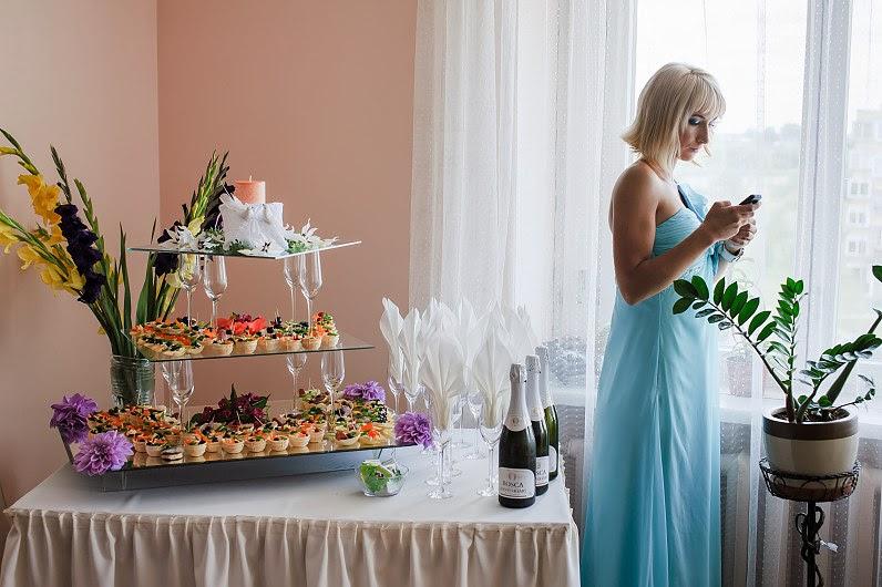 prabaangus vestuvių užkandžių stalas