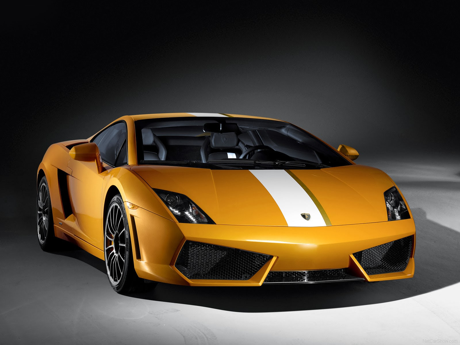 http://www.crazywallpapers.in/2014/03/2010-lamborghini-gallardo-lp550-2-hd.html