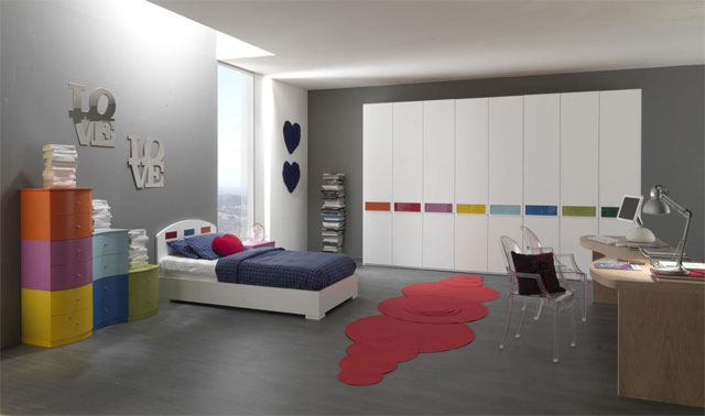 Сіра кімната для підлітка дівчини