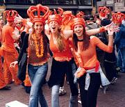 . Abril, se celebra en Amsterdam el Día de la Reina o lo que es lo mismo, . (queensday)