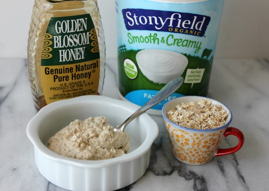 Make Your Own Soothing Oatmeal Face Mask