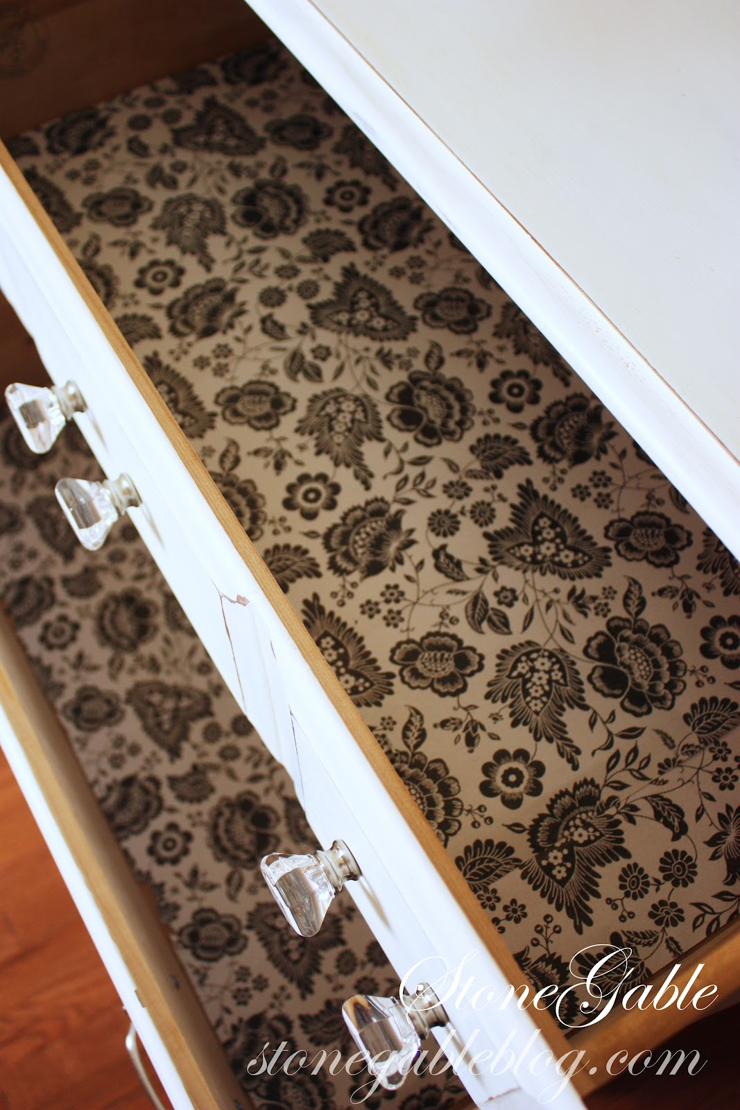Best kitchen shelf liner - This Would Also Make A Thoughtful Gift A Few Lengths Of Scented Paper Tied Up In A Pretty Bow
