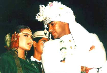 Celebrity Weddings Kajol And Ajay Devgan Wedding Pics