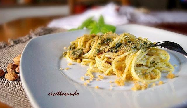 ricetta di Spaghetti con pesto di zucchine