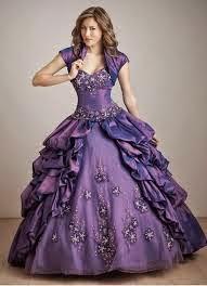 dicas de vestidos para festa de 15 anos - roxo com pedrarias