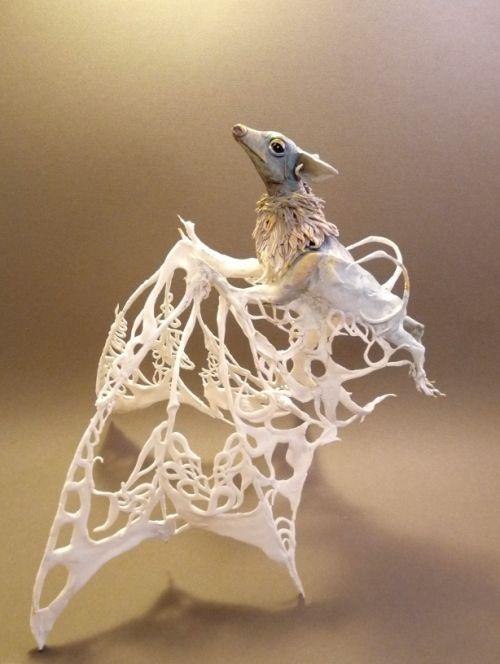 Ellen Jewett CreaturesFromEl deviantart esculturas surreais mixed animais Raposa voadora