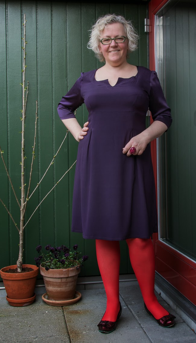 Kaffesoester in second hand purple silk dress by Danish brand Tone Barker Silk