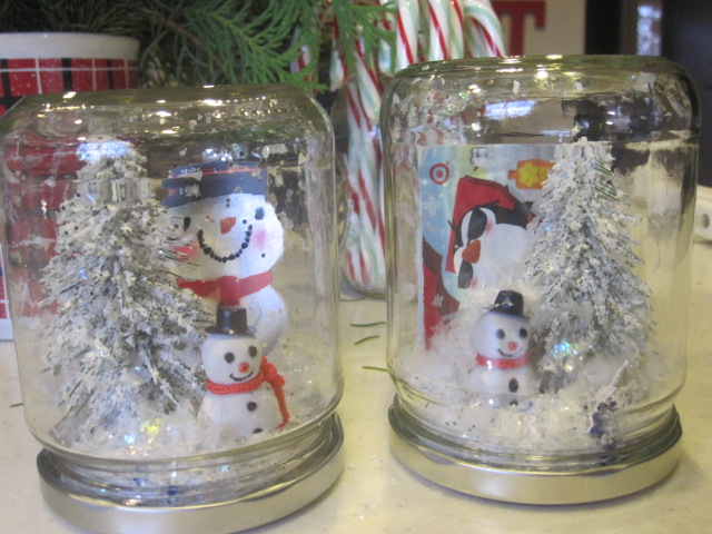 Plumberry pie rerun teacher gift snowglobe gift cards i made one for myself while i was at it for mine i used a pickle jar and wasnt so lucky with the lid color so i painted it silver solutioingenieria Images