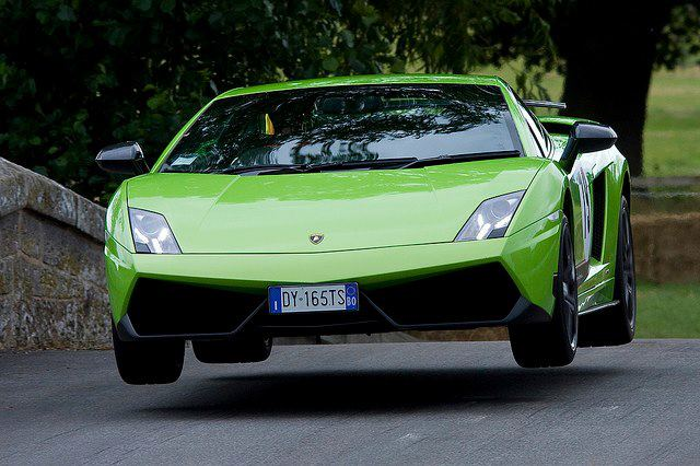 Autoniusy Flying Lamborghini Gallardo