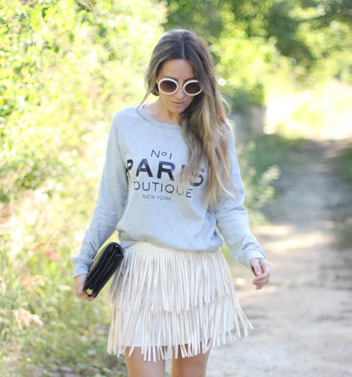 Cómo combinar sweater gris