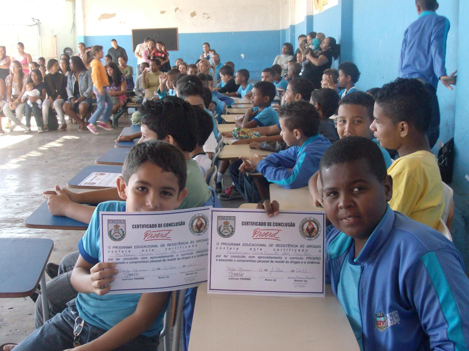 http://1.bp.blogspot.com/-g5i4TifGh2c/T_8WVIJ4zBI/AAAAAAAAAss/QNv2XKfLXWw/s1600/Proerd+Matheus+Soares+e+Anderson+Cavalcante.jpg