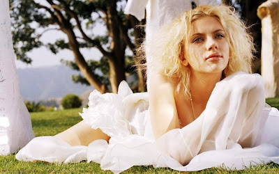 Scarlett Johansson Glamour Wallpaper