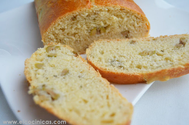 Pan de aceitunas y romero