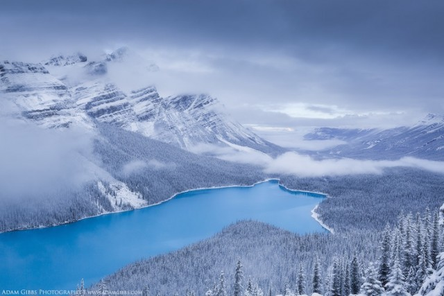 Peyton Lake, Banff National Park, Canada - 19 Breathtaking Photos Of Winter Wonderlands Around The World