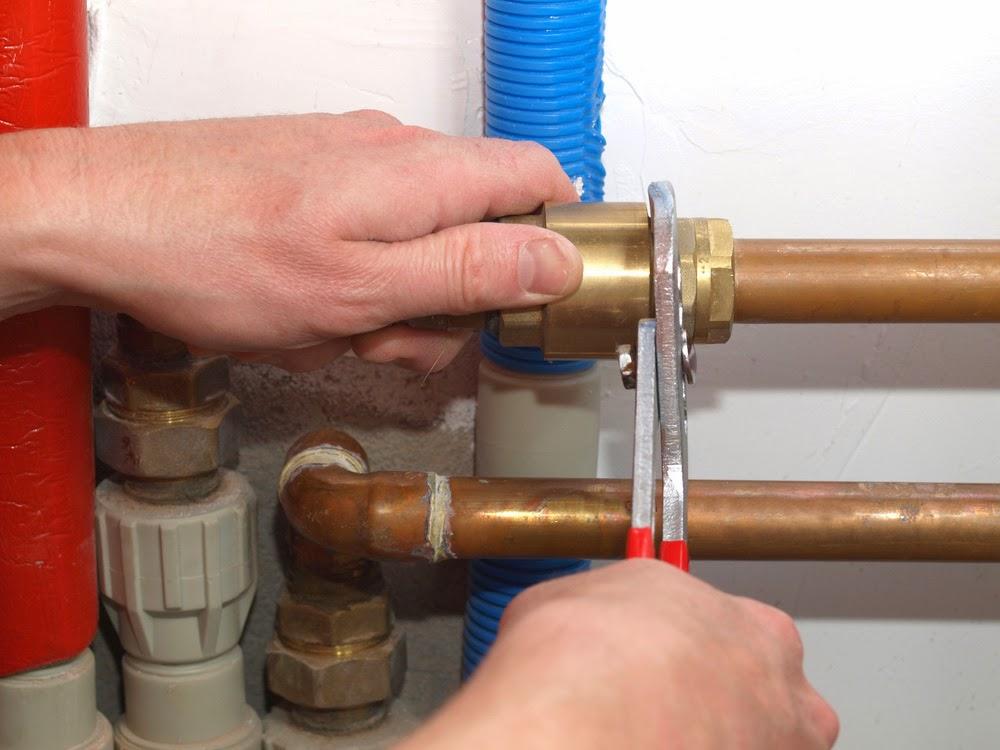 Cómo solucionar los atascos de las tuberías