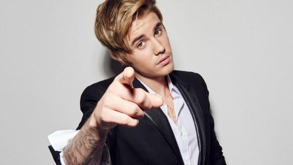 """O cantor lidera a parada americana pela segunda semana consecutiva. Além disso, Justin Bieber aparece também na terceira posição com """"Love Yourself"""". (Foto: Reprodução / Mix Me)"""