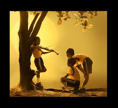 http://1.bp.blogspot.com/-g6AqEH1IRTg/T-IFFKgaw8I/AAAAAAAAA2s/I5WGiC6AiWA/s640/persahabatan+3.jpg