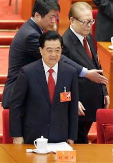 胡主席、江氏を道連れ 完全引退で「長老政治」ピリオド
