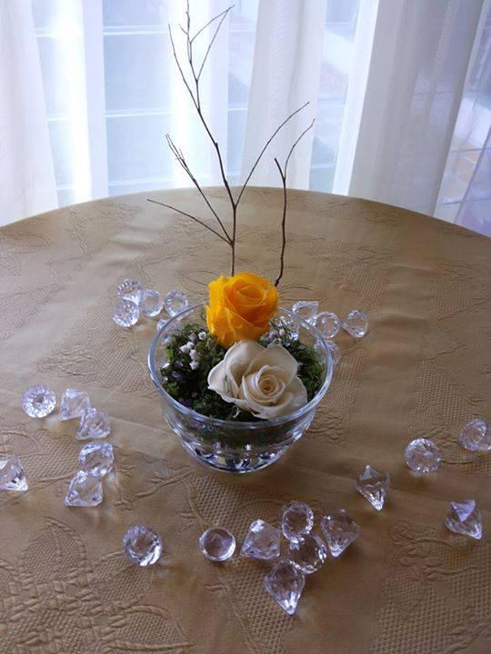 Rosas Naturales Preservadas Amarilla y Crema Baby Rose ¡Duran 4 Años!