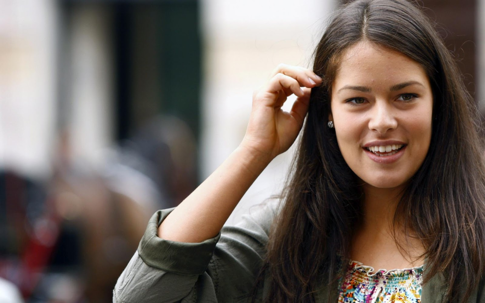ana ivanovic dating Ana ivanovic (serbian: ana ivanović, ана ивановић pronounced [âna ǐʋanoʋitɕ, ǎː-] ( listen) born 6 november 1987) is a retired serbian tennis player she was ranked no 1 in the world in 2008, after she had defeated dinara safina to win the 2008 french open.