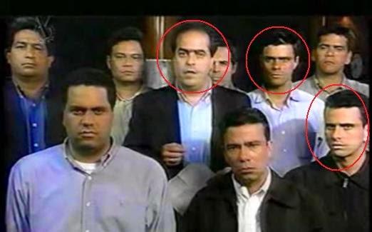 De Izq a Dch: Julio Borges, Leopoldo López y Henrique Capriles durante la lectura de un manifiesto de apoyo al Golpe de Estado contra Hugo Chávez en 2002. (Foto: http://undebateenmicabeza.blogspot.com.es)