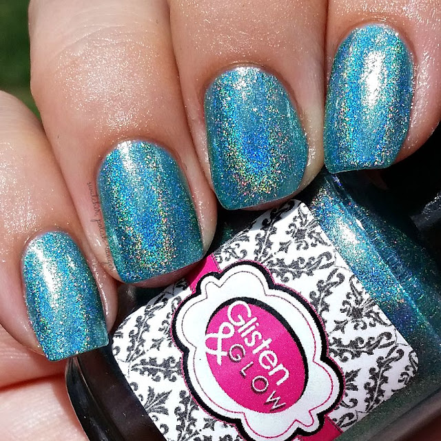 swatcher, polish-ranger | Glisten & Glow Hpnotiq Hurricane in the sun