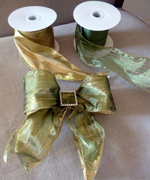 stylish settings making christmas tree bows. Black Bedroom Furniture Sets. Home Design Ideas