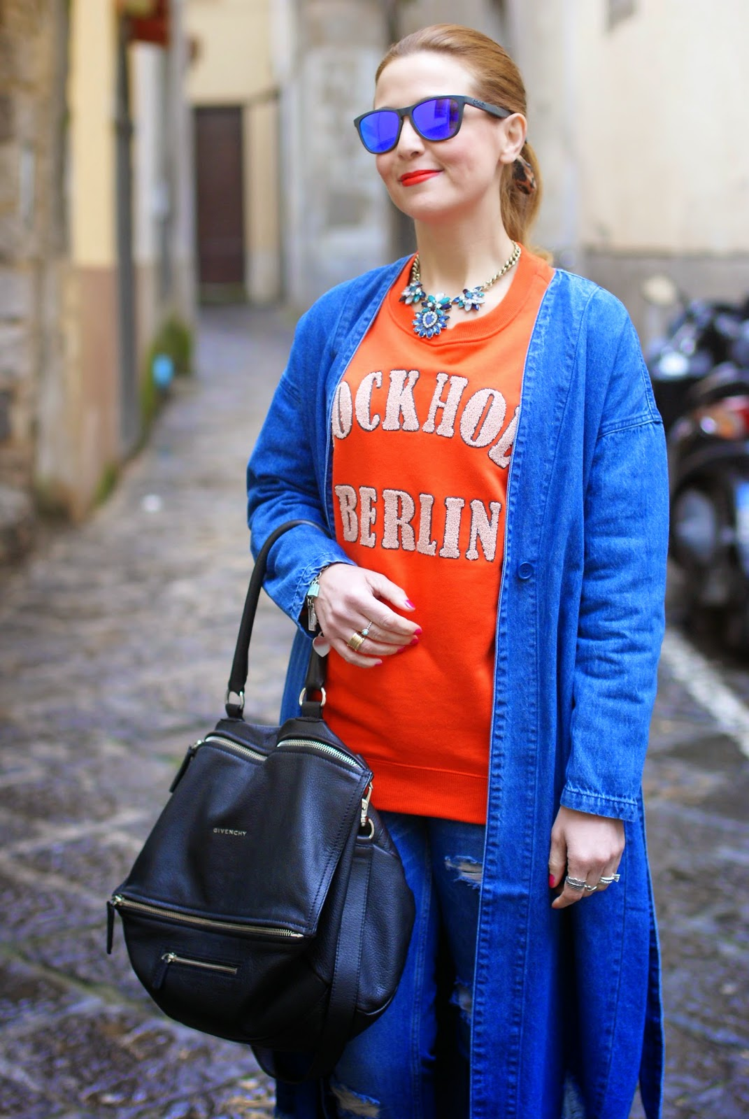 Monki, Monki belted denim jacket, H&M orange sweatshirt, denim long jacket, Givenchy Pandora bag on Fashion and Cookies fashion blog, fashion blogger