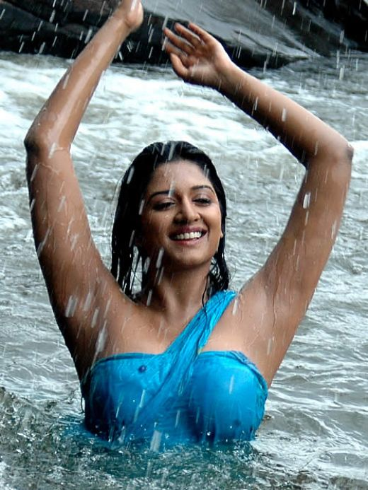 vimala raman hot bathing on river pictures