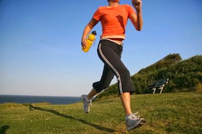 Una buena hidratación es importante en el ejercicio aeróbico