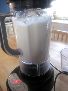 Homemade Soymilk | katesfoodfortheweek.blogspot.com