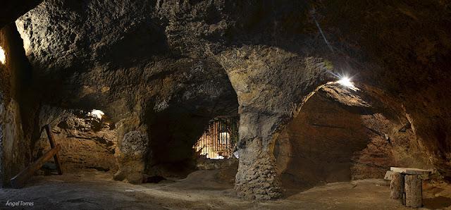 Cueva de los milagros en chircales