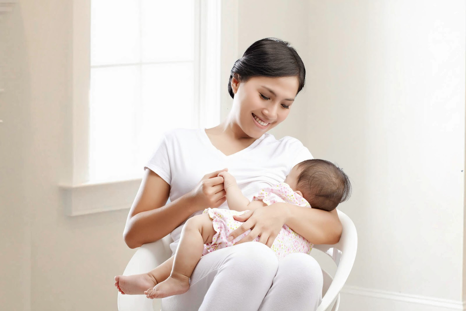 Tanda bayi cukup susu ibu