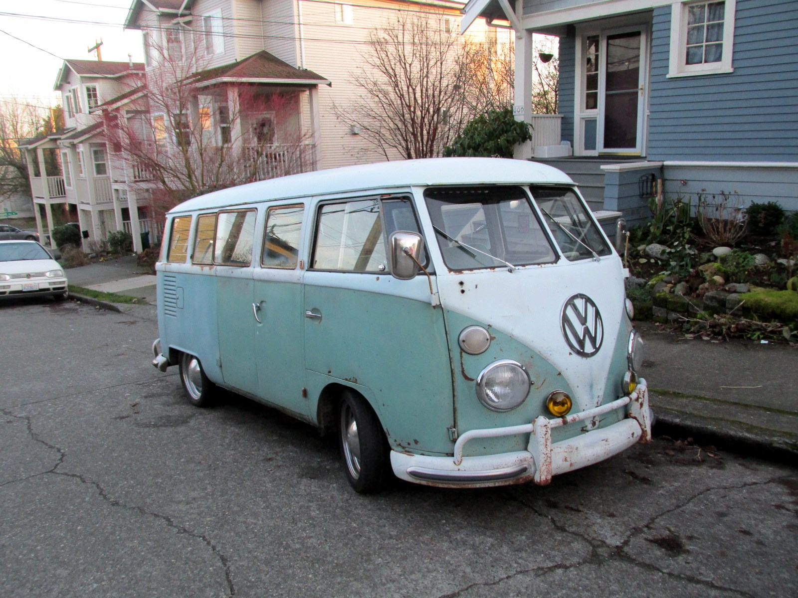 seattle 39 s classics 1962 volkswagen type 2 bus. Black Bedroom Furniture Sets. Home Design Ideas