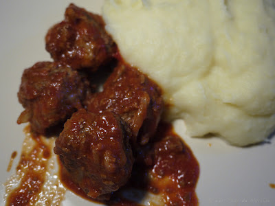 Boulettes de viande  la sauce tomate (voir la recette)