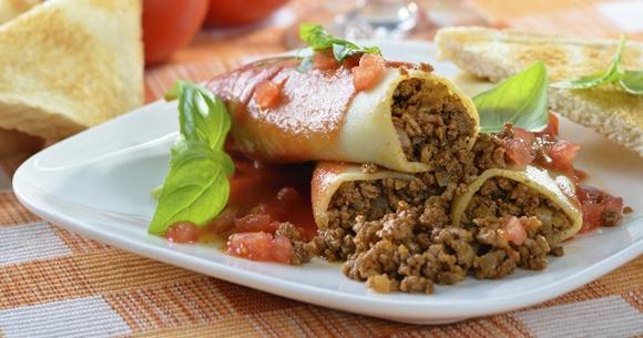 Cannellonis A La Viande Et A La Sauce Tomate