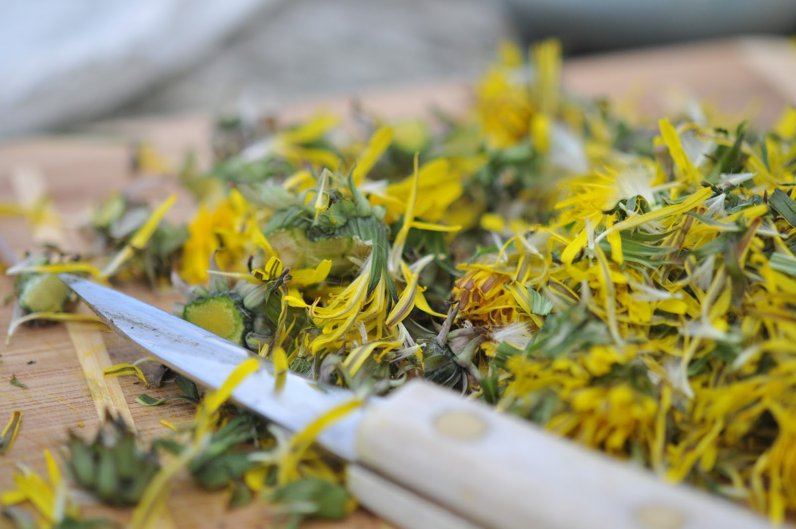 how to get rid of dandelions and thistles